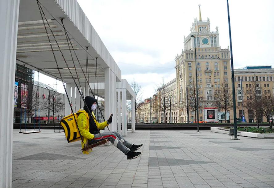 Собянин продлил режим самоизоляции в Москве до 14 июня и разрешил прогулки по графику