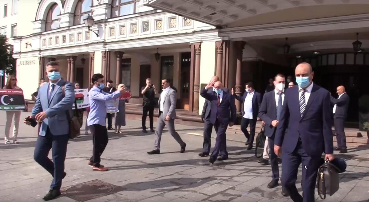 Москвичи встретили главу парламента Ливии аплодисментами
